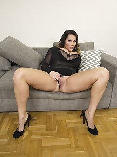 Cougar Legs Pics
